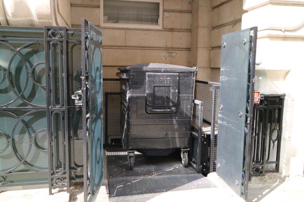 Private House London – Lightwell – Lift Pic