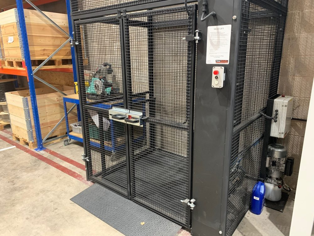 Tedd Engineering – MezzLift CLose Up