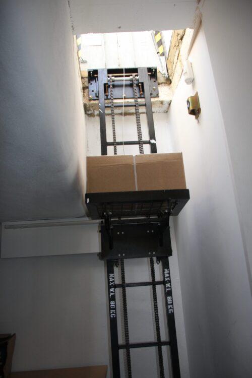 Single Stack Case Hoist